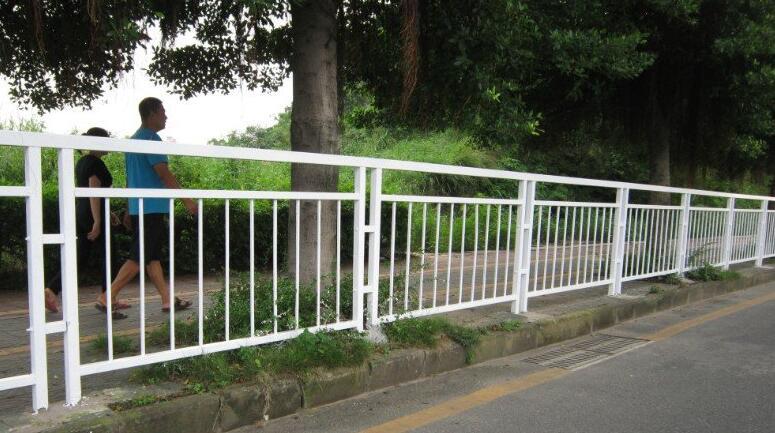 道路护栏-宏发鑫你放心的选择